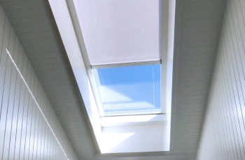 SKYLIGHT BLIND-462